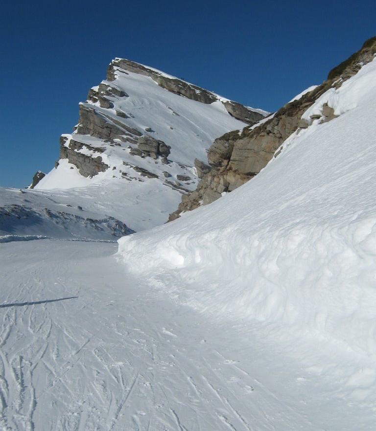 Pico Tres Mares (2175 m) vu depuis la station de ski d'Alto Campoo dans le haut bassin de l'Ebro.