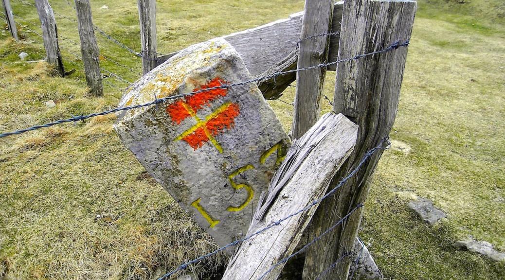 Le Lindux est le dernier point de la ligne A/M en contact avec la France avant l'entrée définitive en Espagne.