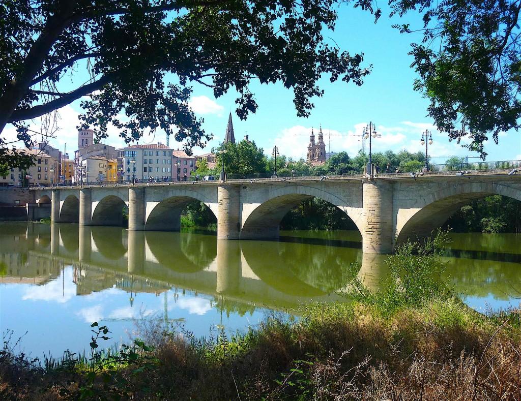 Le pont du camino Francés sur l'Ebro à Logroño.