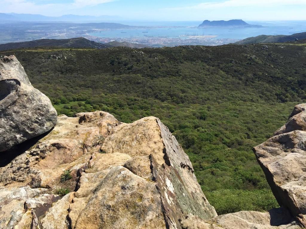 Depuis la Sierra de la Luna, le rocher de Gibraltar et Algeciras...