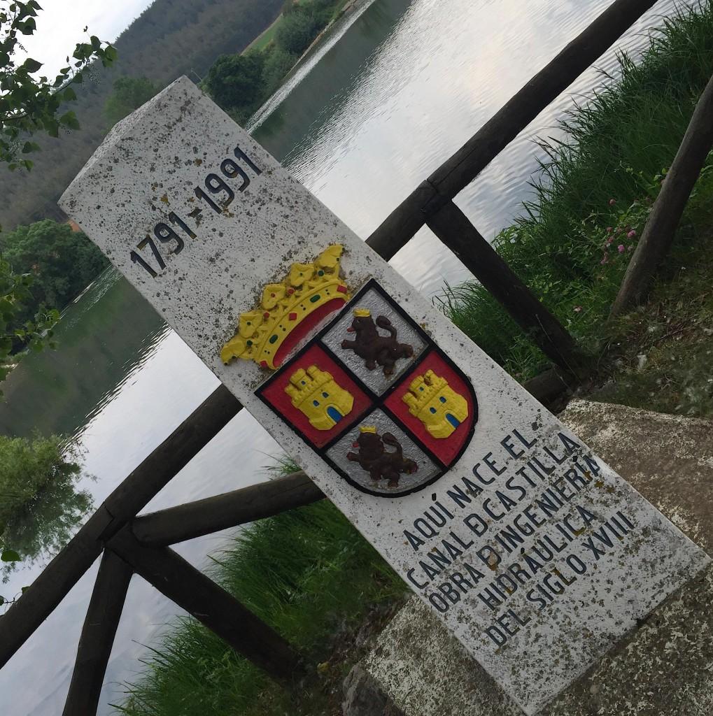 A Alar del Rey (Castilla-y-León, Palencia), le canal de Castilla (207 km en 3 branches) prend naissance avec les eaux du río Pisuerga.