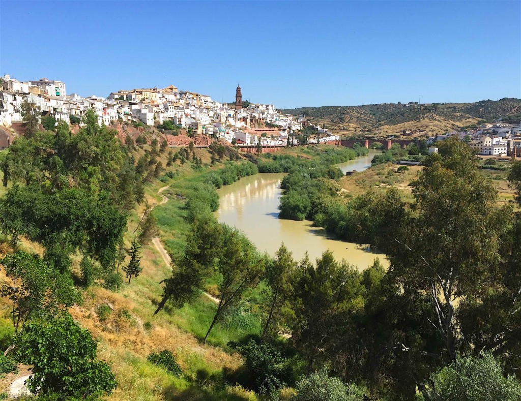Le Guadalquivir à Montoro sur le camino de Tarifa à Bilbao. © plblaix