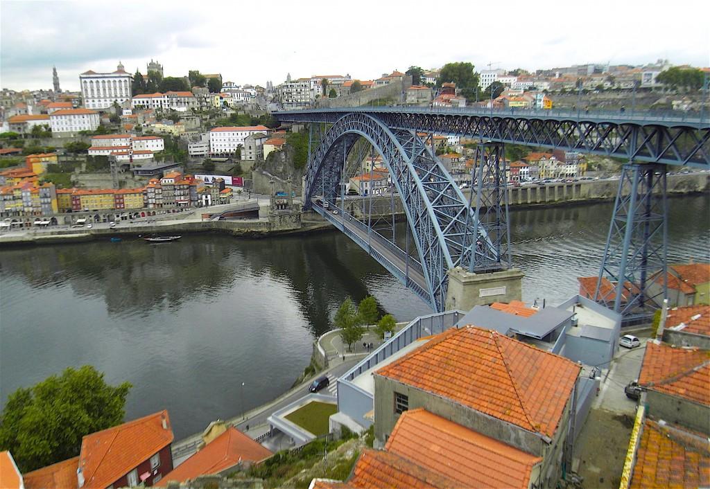 """6 ponts traversent le Douro entre Gaia et Porto : ici le """"Ponte Luiz 1"""""""