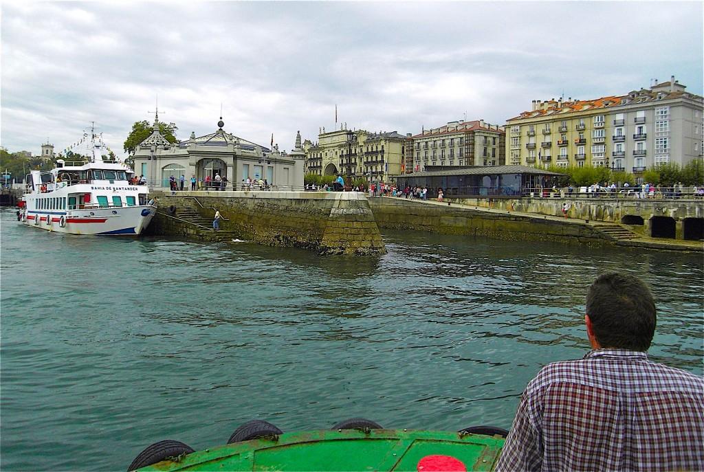 Arrivée du bateau de Somo à Santander sur le camino del Norte en septembre 2011. © plblaix