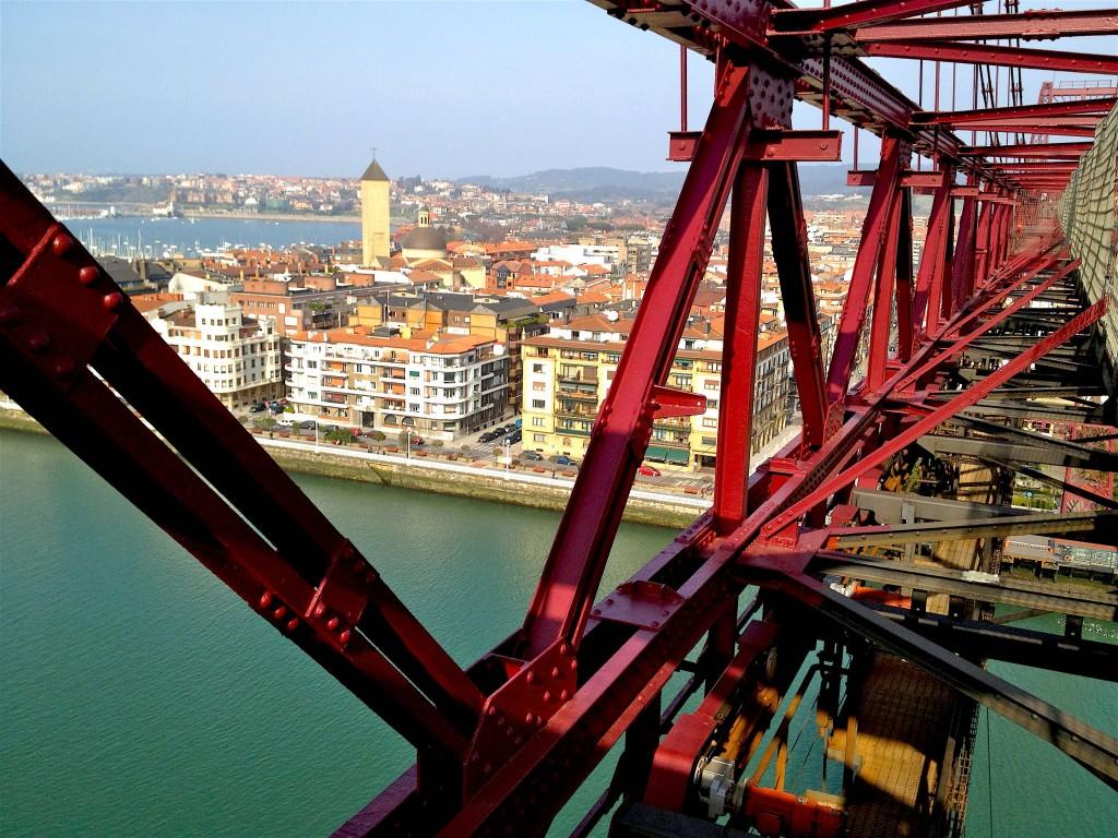 Du sommet du Puente Colgante, vers Getxo © plblaix
