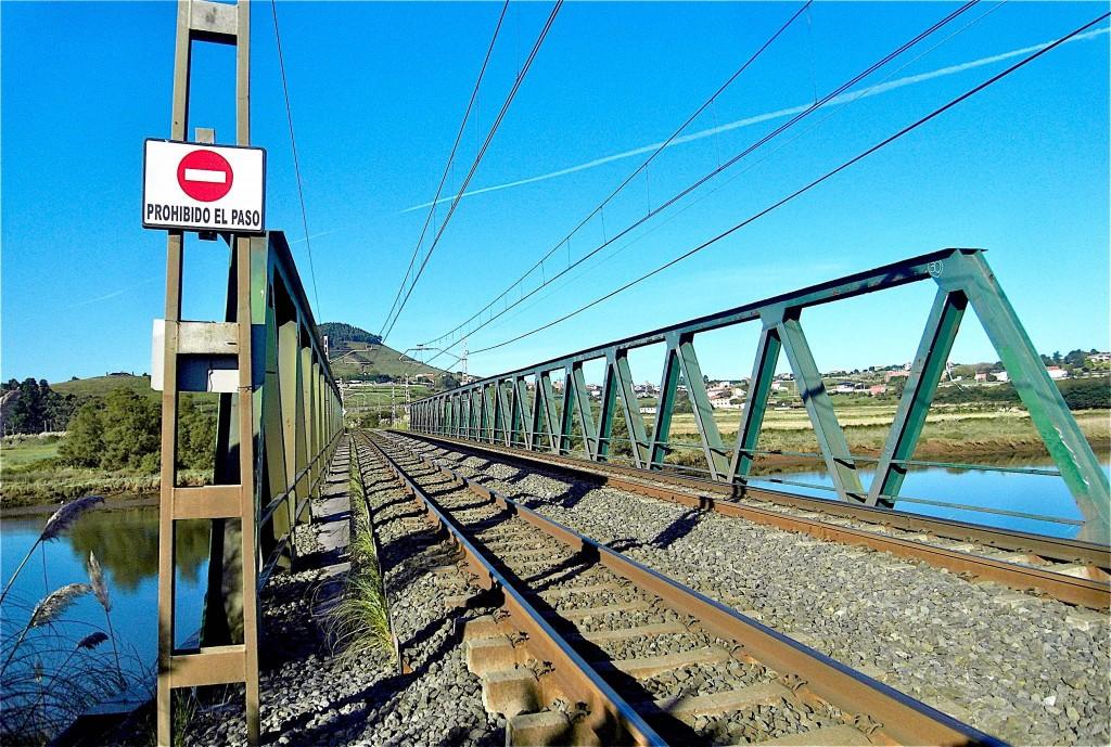 Passage tentant bien qu'interdit sur le río Pas © plblaix