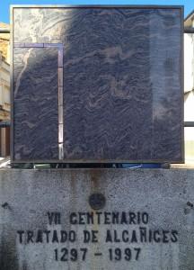 A Alcañices, le monument du 700ème anniversaire du traité. © plblaix