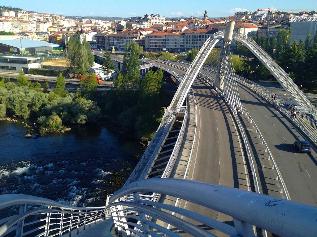 Ourense depuis le sommet du Puente del Milenio ©plblaix