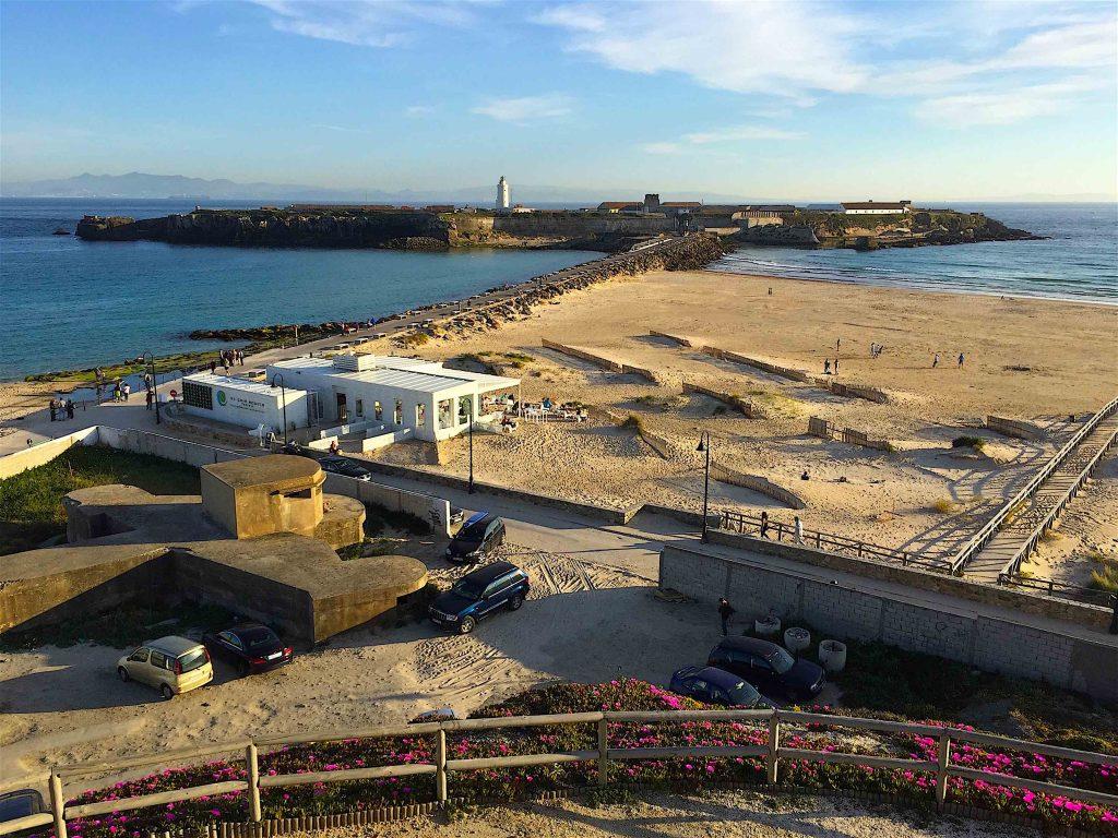 Punta de Tarifa et Isla de las Palomas entre Atlantique et Méditerranée. ©plblaix